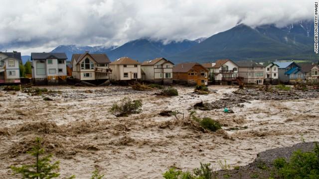 130620230240-canada-alberta-floods-story-top