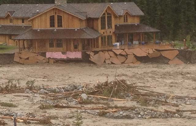 Canmore flooding.jpg