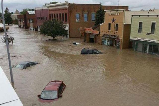 o-ALBERTA-FLOODING-HIGH-RIVER-facebook